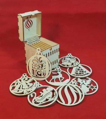 Vánoční ozdoby v krabičce