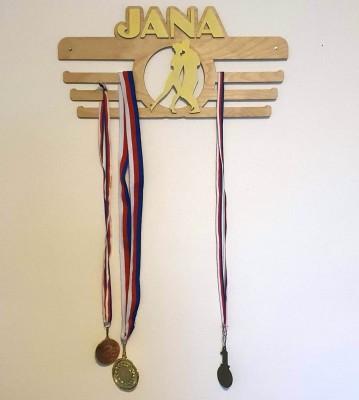 Dřevěný věšák na medaile se jménem a motivem na přání Verze 4