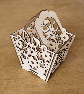 Košík dřevěný velikonoční se zajíčkem