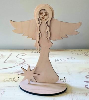 Anděl strážný široká křídla stojící